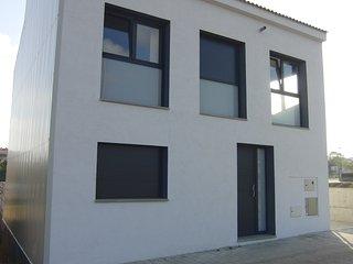 Les Aigües: casa NUEVA de 4 habitaciones y 200m2 con gran piscina privada