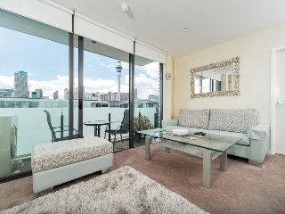 2 Bedroom Apartment Viaduct Harbour includes Carpark