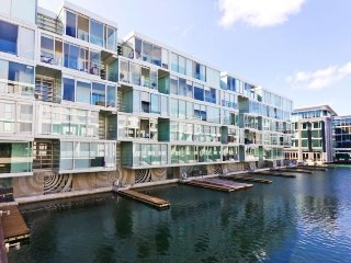 Lighter Quay Stratis Block West Facing Serviced Apartment Overlooking the Privat