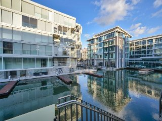 2 Bedroom Viaduct Apartment Lighter Quay Auckland New Zealand
