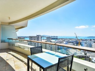 1 Bedroom Luxury Apartment in Pullman Hotel Auckland | Quinovic Viaduct