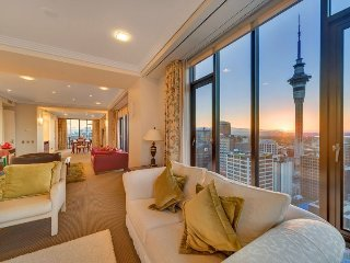 3 Bedroom Penthouse Apartment in the Metropolis, Auckland with Stunning Views.