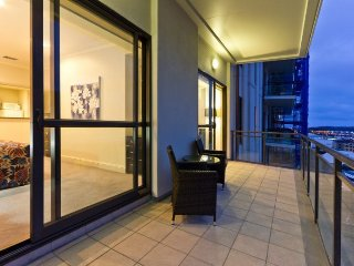 Heritage Towers Airconditioned Harbour View Serviced Apartment, Auckland with Pa