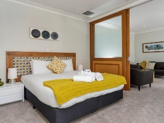 One Bedroom Serviced Apartment in the Heritage Towers, Auckland