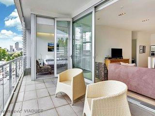 Stylish 2 Bedroom Ponsonby Serviced Apartment Accomodation