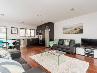 Modern Three Bedroom Townhouse Freemans Bay, Auckland, NZ
