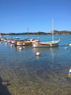 Les pointus au Brusc et île des Embiez à 2km pour embarquement