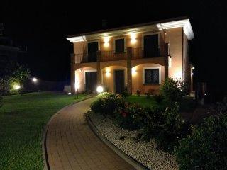 Villa Feluchia tra il Mare e il Vulcano B&B - camera familiare