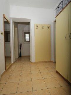 A1(3+2): hallway