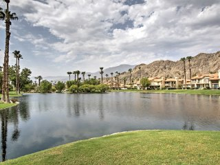 NEW! 2BR La Quinta Townhome w/ Mtn Views & Patio!