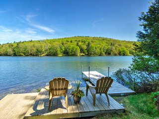 Waterfront Newbury Cottage w/ Large Deck!