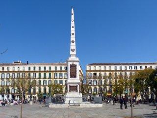 Plaza de la Merced large apartment
