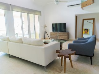 3BR / 3.5BA Modern Paradise Condo Loft in Gated Community w/ Daily Housekeeping