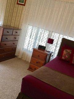 Bedroom 4: Summer decor