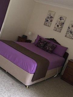 Bedroom2: Summer decor.
