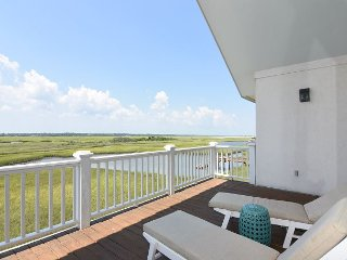 Atlantis-Wonderful sound front home on the North End of Wrightsville Beach