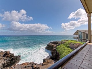 Sunrise-Sunset View+Luxe Style! Modern Kitchen, WiFi, Lanai, Laundry–Makahuena