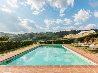 This charming farmhouse villa is ideal for groups of 12 looking for a great plac