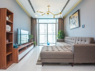 Smart luxury 2BR apartment near down town