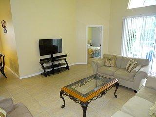 341WHIT. 4 Bedroom 3 Bath Pool Home in Bridgewater Crossing