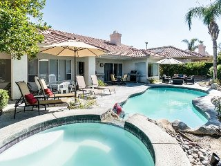 3BR w/ Lagoon Pool, Hot Tub & Fire Pit in Private Yard