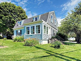 2BR Ocean Blue Cottage w/ Water Views – Minutes From Boothbay Amenities