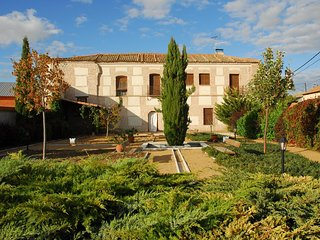 Casa rural de alquiler completo de 500 m2, cerca de Arévalo. Antiguo palacio.