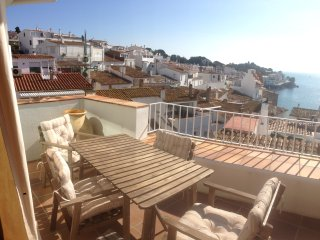 Es Forn-Tipical Costa Brava house in the heart of Cadaques, with fantastic views