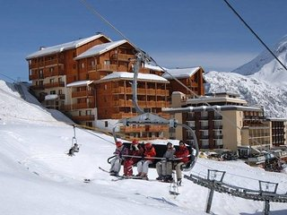 Cozy apartment in ski area with top of over 3 km. heights