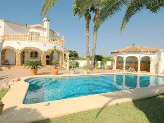 Detachted villa with private swimming pool in El Verger, Costa Blanca
