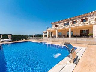 Mediterranean Villa Pool & Large Gardens