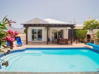 Casa Amaretto - Fabulous 4 bedroom villa in quiet residential area