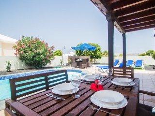 Casa Amaretto  New listing - Fabulous 4 bedroom villa in quiet residential area