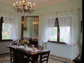 Lussuosa villa situata nel cuore della toscana con ampi spazi e zone relax.
