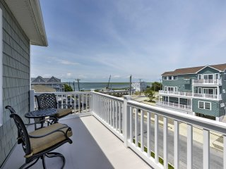 Updated Brigantine House w/Water Views-Walk to Bay
