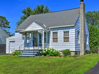 NEW! Cozy 2BR Rotterdam House on a Quiet Street!