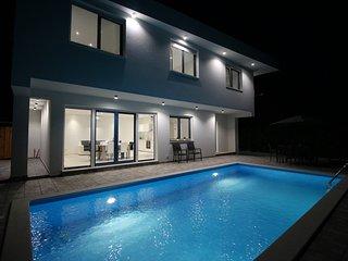NEW! Villa Nin