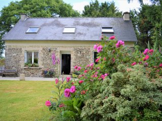 Heart of Brittany - Sleeps 6- Saint Emilion Braz, Plevin Near Carhaix Plougher