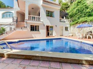 Villa con piscina privada y gran jardín!Ref.204741