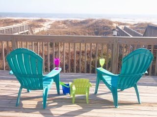 Oceanfront Sleeps 18 (or 34) 6br/3.5ba (or 12/7), large deck, Beach Access