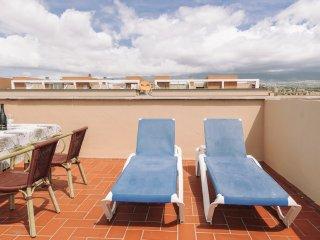 Duplex con terraza solarium en edificio con piscina