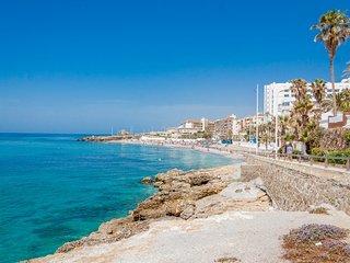 Torrecilla Playa Zorrilla Nerja Canovas