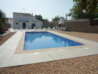 Casa de pueblo con piscina privada, WiFi gratis