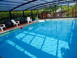 6~2018 PRICE for 2019~STROLL to BEACH & PUBS~ POOL+HOTTUB~ HISTORIC BASSETS ACRE