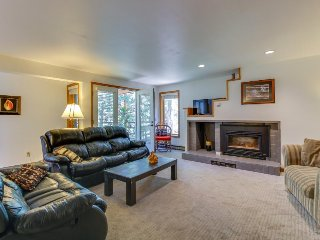 Ski-in/ski-out condo w/ jet tub, shared pool & hot tub - balcony & forest views
