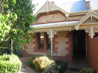 Parkside Cottage Close to the City