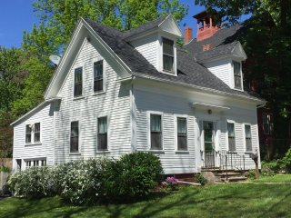 2BR Coastal Kittery Maine Home near Portsmouth NH