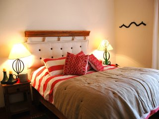 *BEST RATE* - Cozy 2BD Apt. In The Heart Of Centro Historico! Central & Quiet!