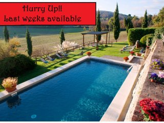 Private Villa,Pool,Hot tub, A/C, Free Wi-Fi, 15 km from Siena