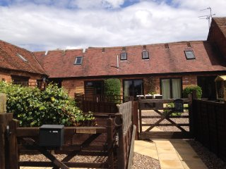 Warwickshire Self Catering Barn Can Sleep up to 10